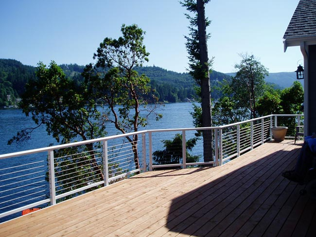 Waterfront Home With Cable Railing To Maximize The View